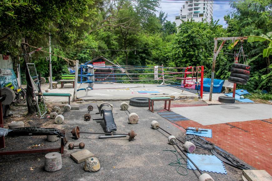 Фитнес-центр  по-паттайски.