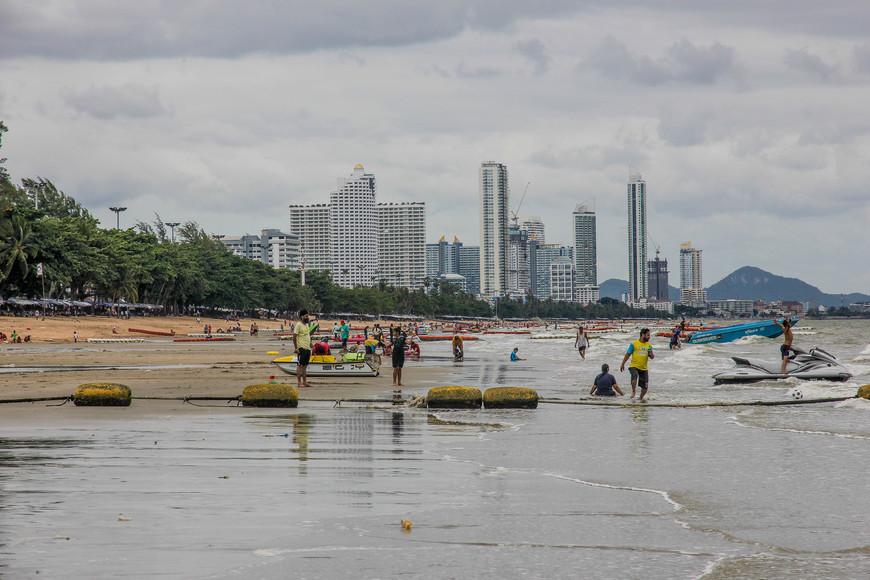 Пляж Джомтьен.
