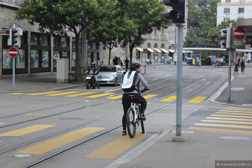 Велосипедистов немного меньше, чем в Амстердаме