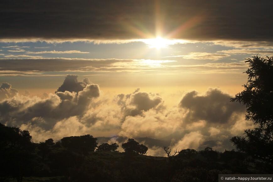 Закат на высоте 2500 над уровнем моря