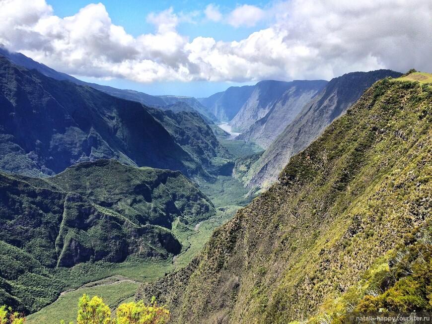 Панорамы по дороге к вулкану питон де ла Фурнез