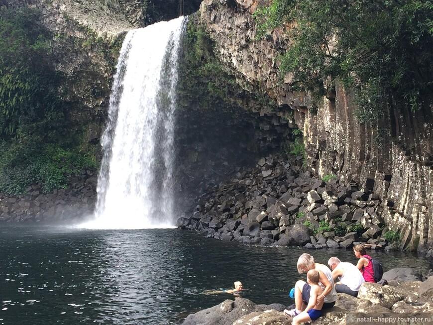 Водопад Bras Panon самый малекнький водопад острова, 15 метров