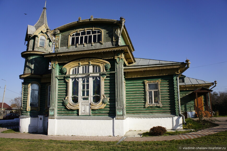 Дом И.А. Шорина. Построен предположительно около 1902 г. крупным гороховецким предпринимателем-старообрядцем И.А.Шориным для своего сына.