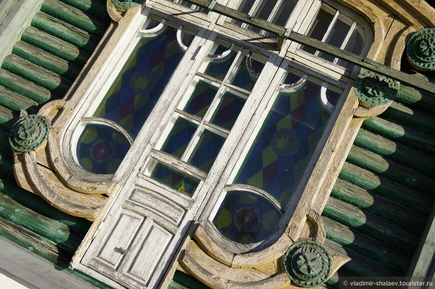 В здании расположен Гороховецкий дом народного творчества и ремесел. В советское время здесь размещалась школа.