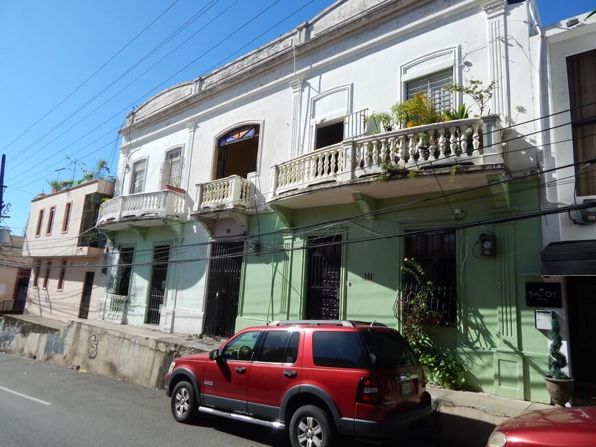 Очень красиво смотрятся домики с балкончиками