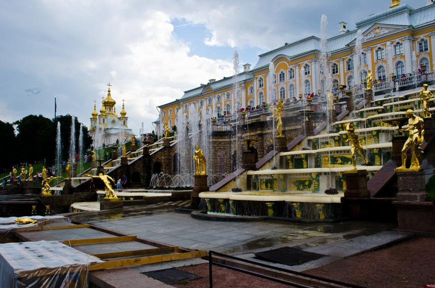 Знаменитые фонтаны Петергофа