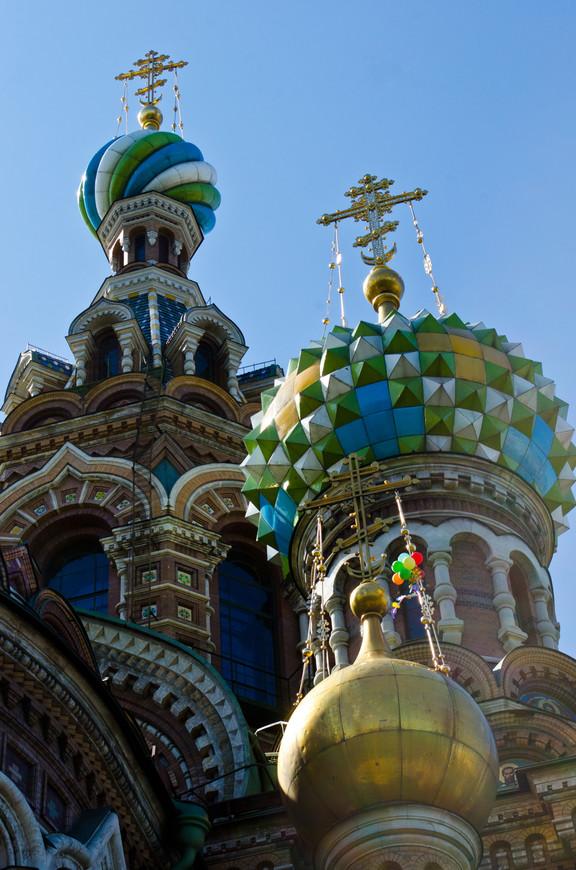 Самая любимая фотография. Воздушные шарики на куполах храма Спаса-на-Крови