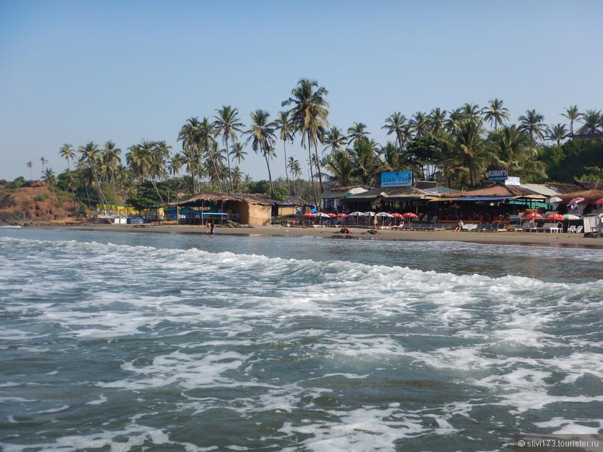 Пляж Вагатор расположен в северном Гоа, чуть дальше Анджуны. Скалы, пальмы и красивые пейзажи делают этот пляж особенным.