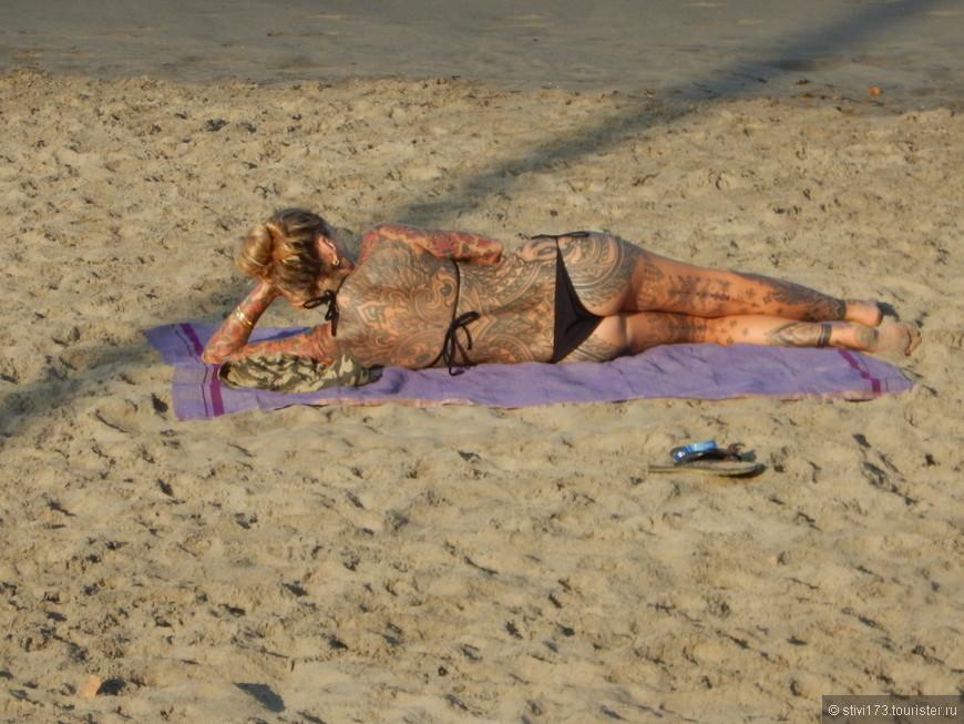 На пляже часто встречаются вот такие интересные персонажи
