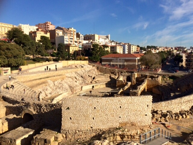 Римский амфитетар - одна из главных достопримечательностей в Таррагоне. Когда-то вмещал 12 тысяч зрителей