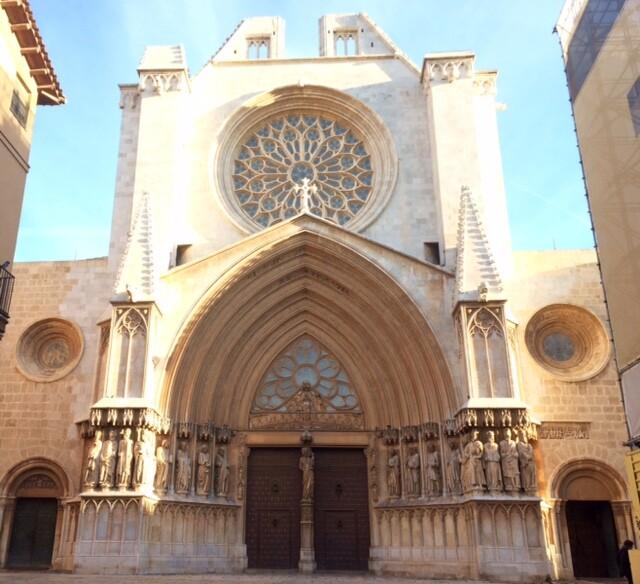 А это Кафедральный собор Таррагоны на Placa del la Seu. Вход в него бесплатный. Если повезет, можно услышать орган.