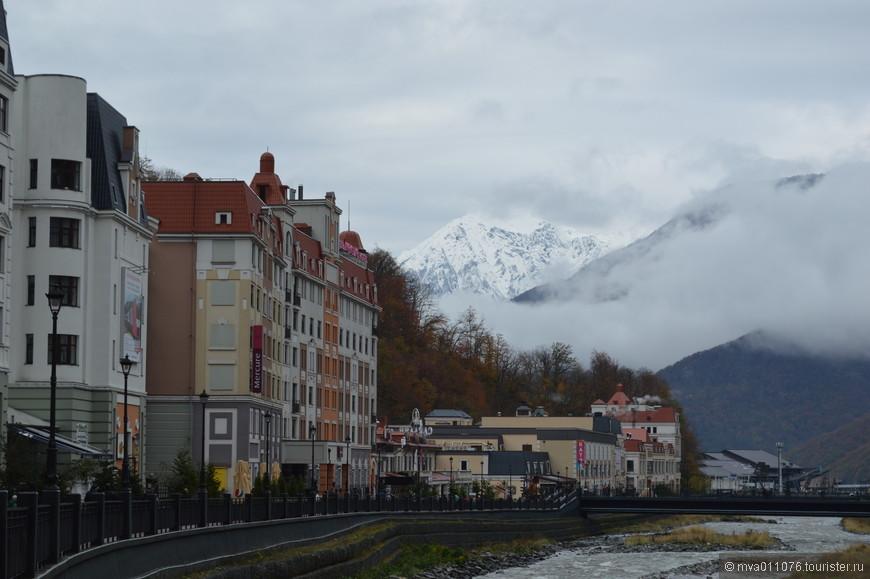 К сожалению, совершенно нет  фоток  в горах - был очень сильный снегопад. Практически ничего не было видно.