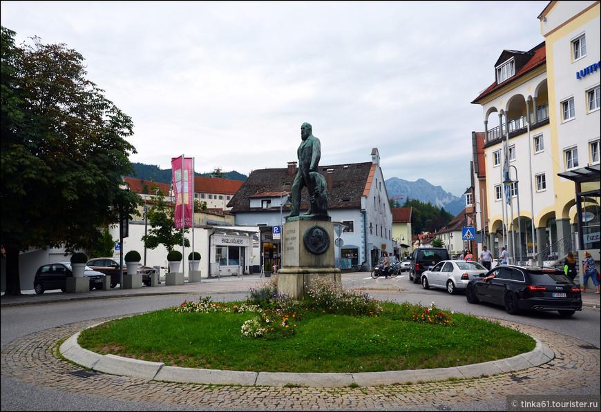 В районе вокзала. Памятник  Луитпольду, принц-регенту Баварскому.
