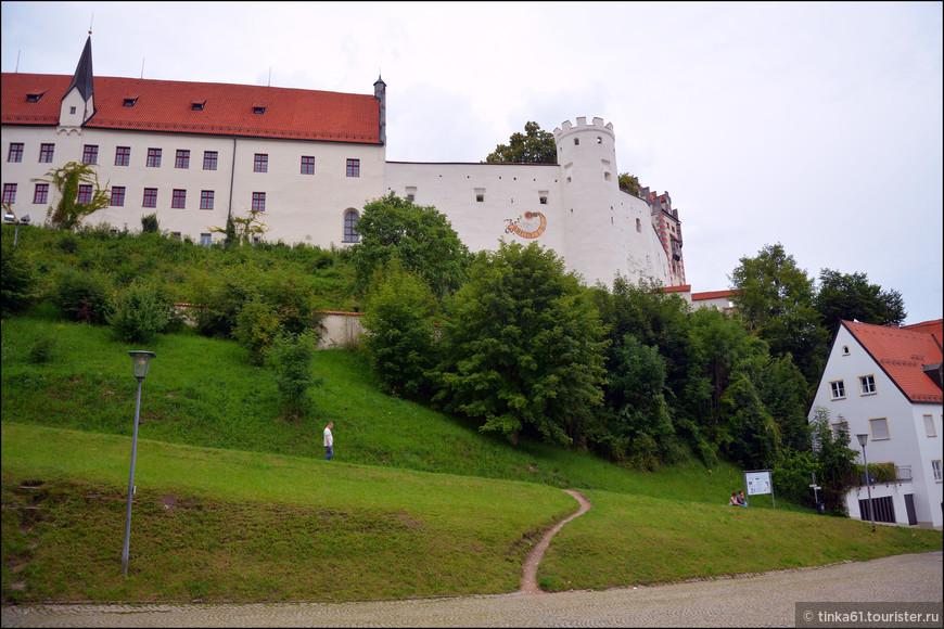 Высокий замок (Hohes Schloss).