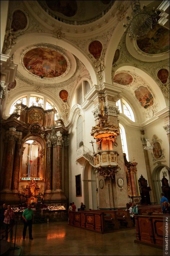 Великолепные барочные интерьеры Собора Святого Магнуса.