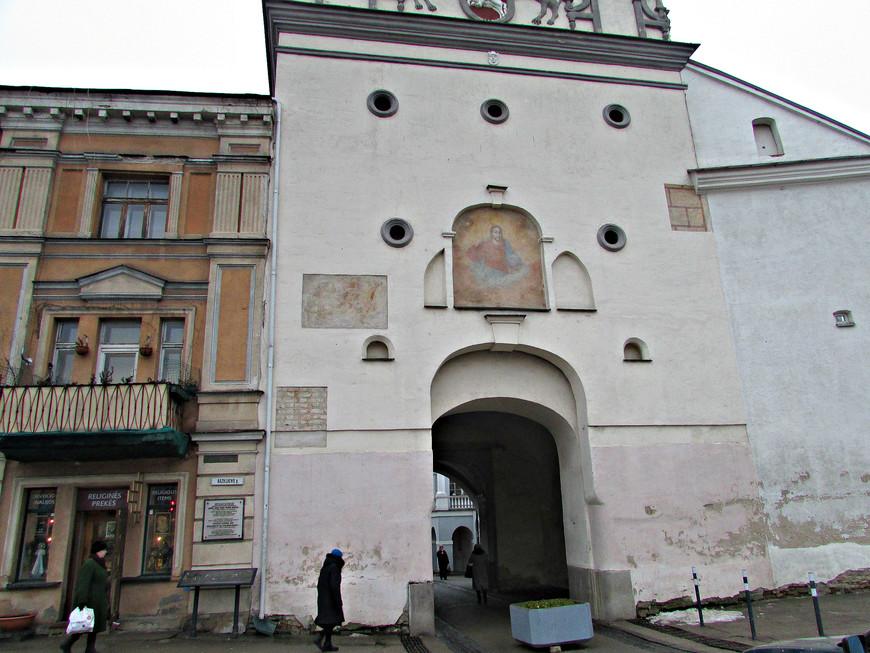Остробрамские городские ворота - единственные городские ворота, сохранившиеся до наших дней.
