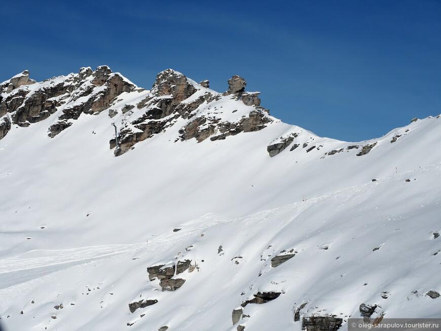 Девственные склоны на высоте 2700м