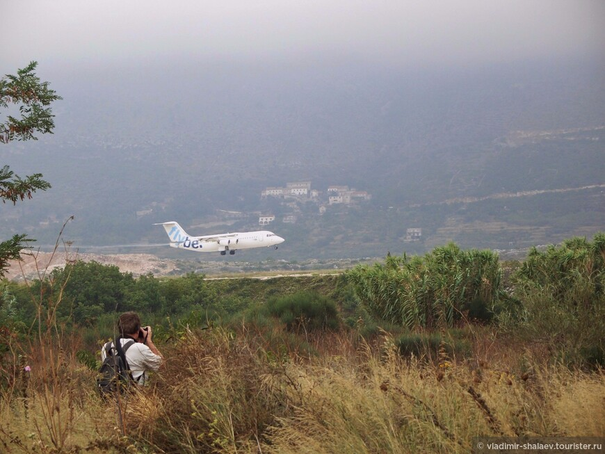 Наблюдение за самолётами. Аэропорт  Дубровник.