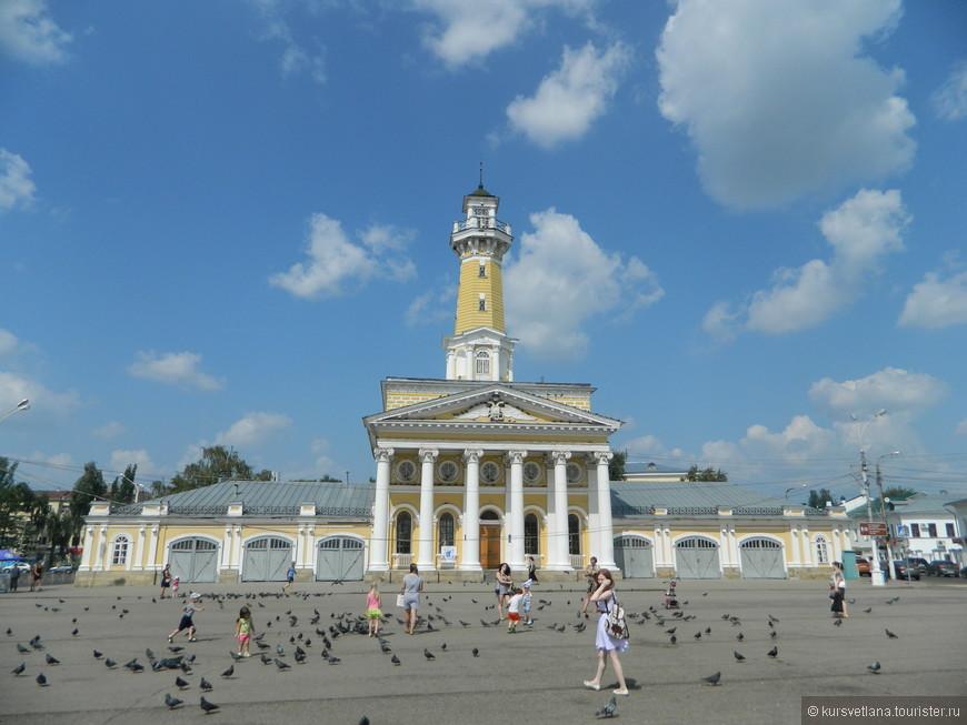 Один из символов Костромы - пожарная каланча, расположенная в центре города на Сусанинской площади