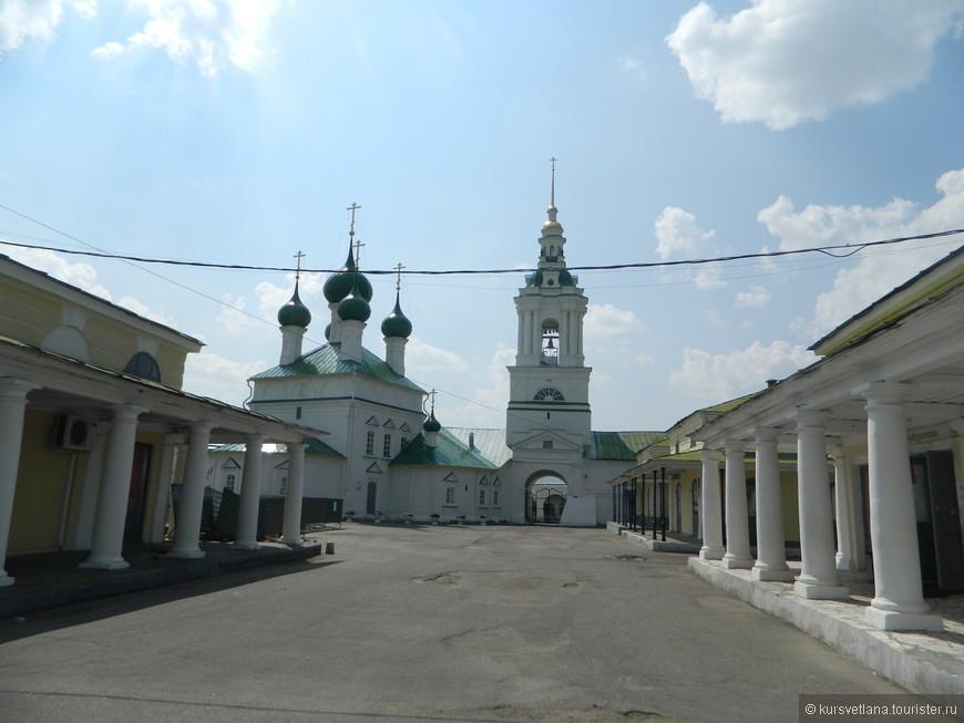 Церковь Спаса в торговых рядах гостиного двора