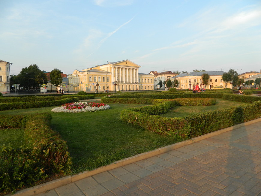 Сусанинская площадь - центральная площадь города