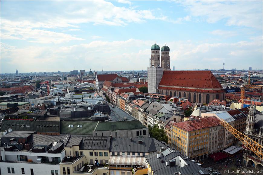 Вид на Фрауэнкирхе, один из самых известных символов Мюнхена.