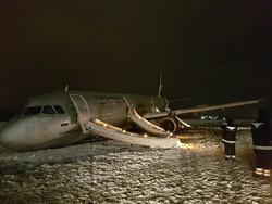 Аэропорт Калининграда открылся после ЧП с самолётом