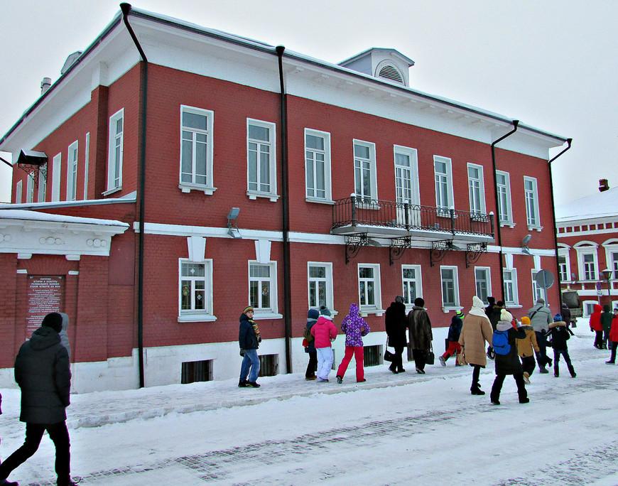 Улица Лажечникова. Бывшая купеческая усадьба. Теперь здесь располагается Краеведческий музей.