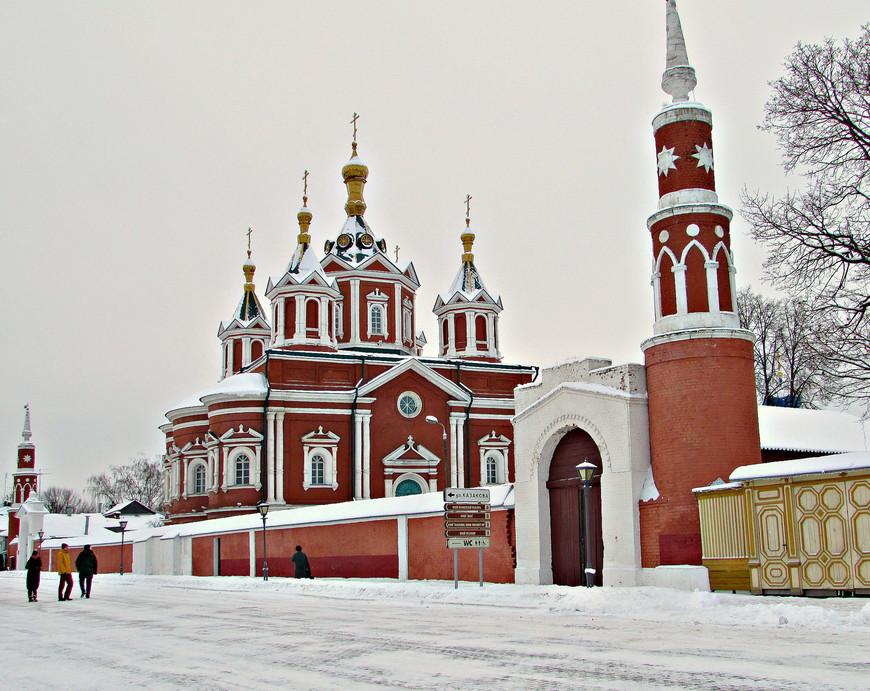 Брусенский женский монастырь на улице Лажечникова.