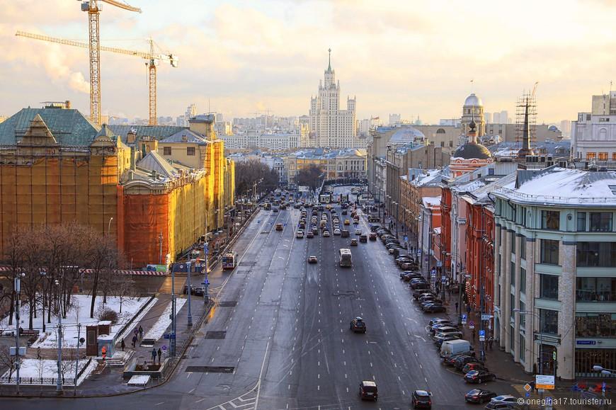 Оставалось только представить, как же красиво здесь летом, да и пообещать себе нагрянуть в Москву июльскую или даже августовскую.