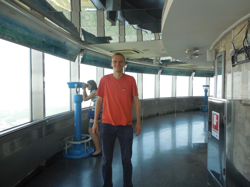 Останкинская телебашня: закрытая смотровая площадка (высота ~337 метров) - бинокль