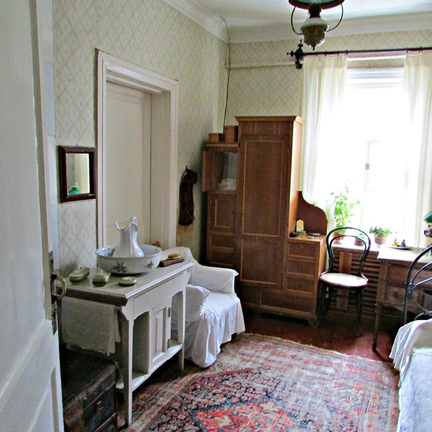 Комната Антона Павловича.