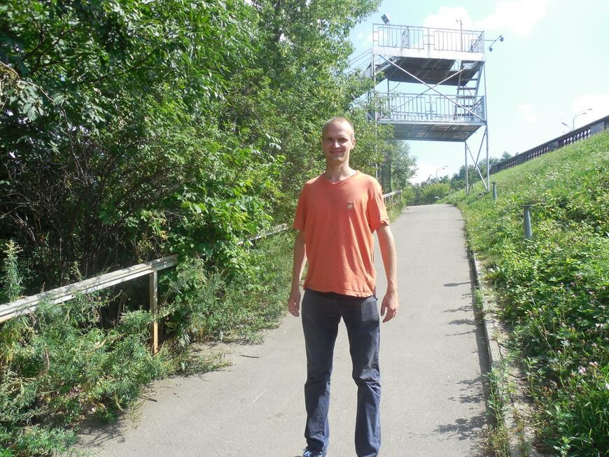 Природный заказник «Воробьёвы горы» - спуск от смотровой площадки к набережной через парк