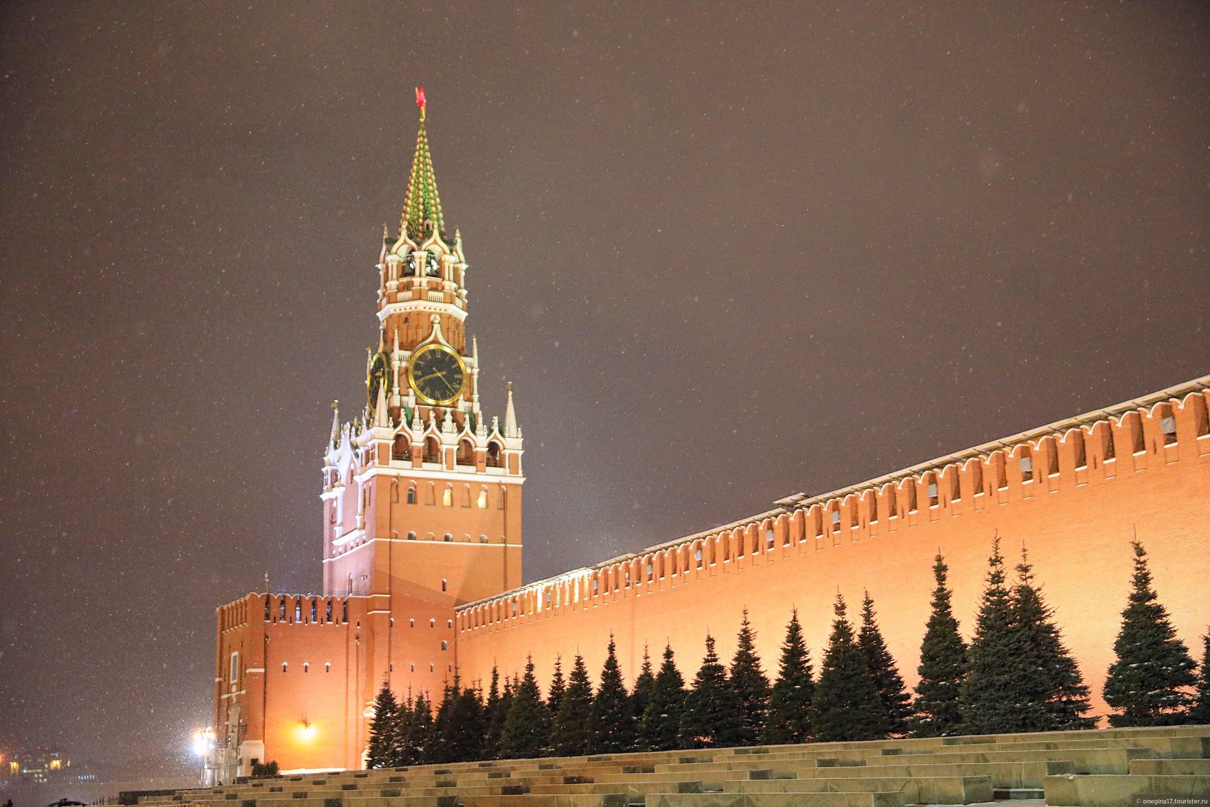 Московские часы фото на красной площади