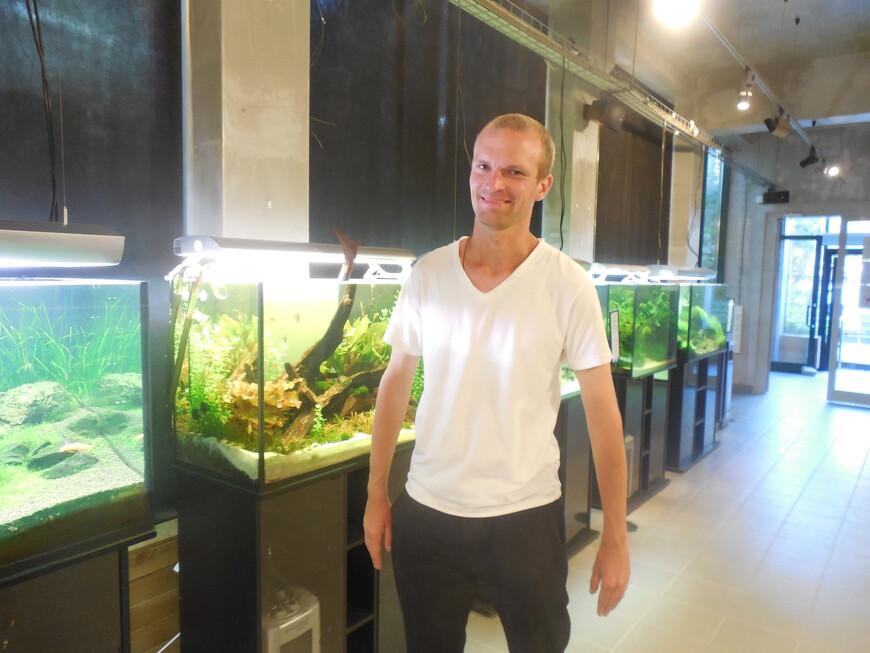 Аптекарский огород: Пальмовая оранжерея внутри - аквариумы