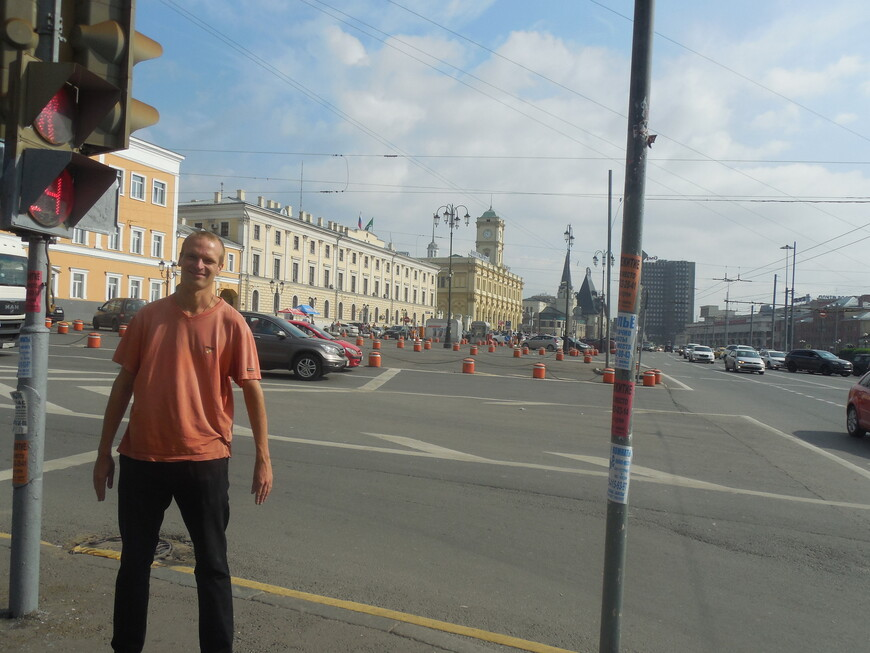Комсомольская площадь (площадь Трёх вокзалов) - Ленинградский и Ярославский вокзалы