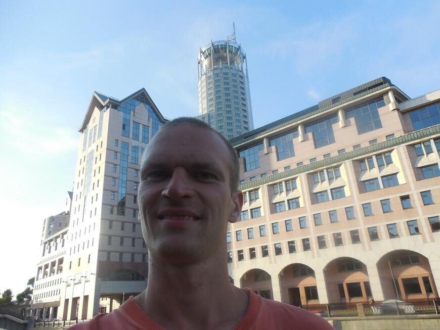 Бизнес-центр «Riverside Towers» и гостиница «Свиссотель Красные Холмы»