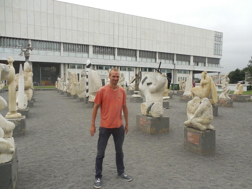 Парк искусств «Музеон»: выставка белокаменной скульптуры