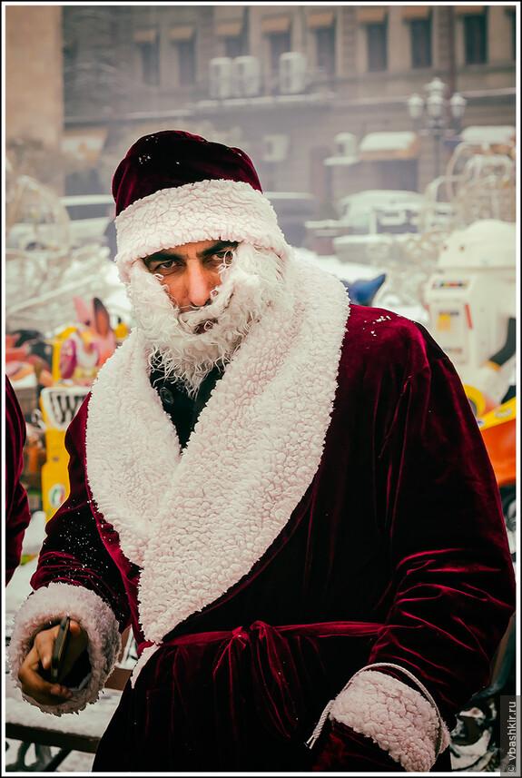 Ереван. Армянский Дед Мороз.