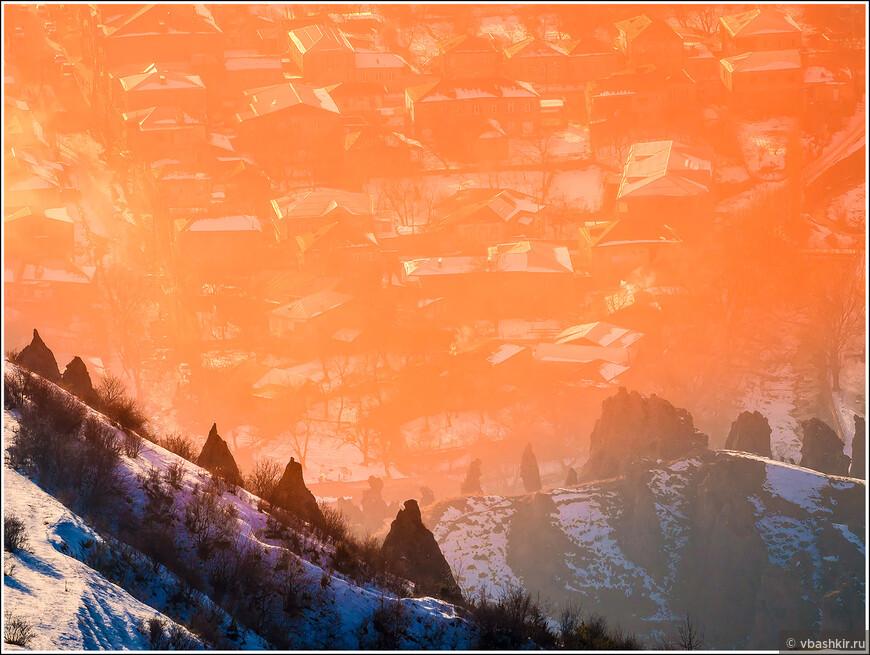 31 декабря. Предновогодний закат в городе Горис.