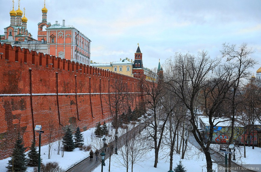 Так получилось, что Кремль в зимнем убранстве я видела впервые. Мне понравилось!