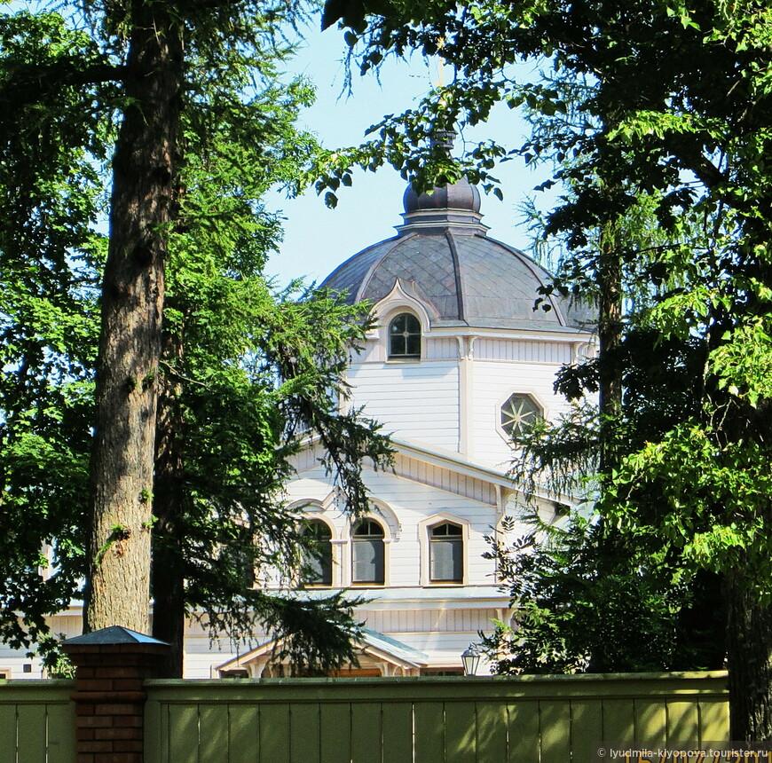 Больничная церковь Живоначальной Троицы и иконы Божией Матери «Живоносный Источник».