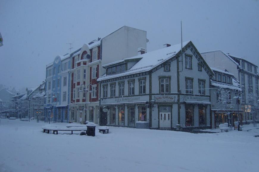 Норвегия, неподалёку от северного полюса...г.Хашта.