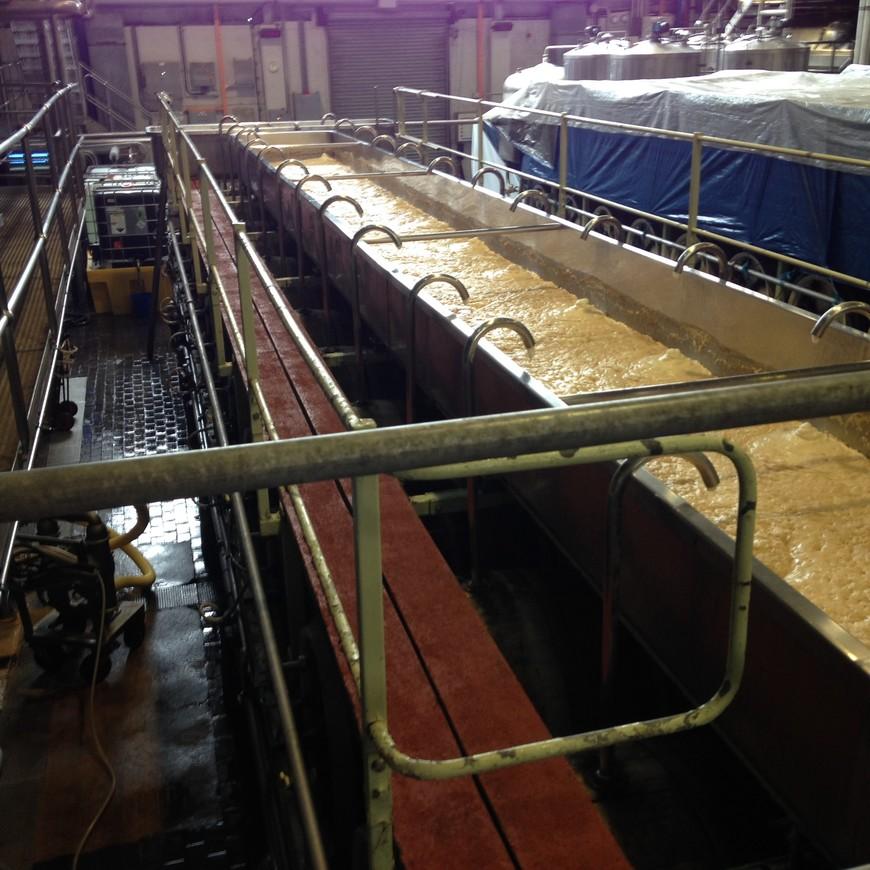 Форма бродильных чанов и технология брожения - вот ключевое отличие продуктов одной пивоварни от другой.