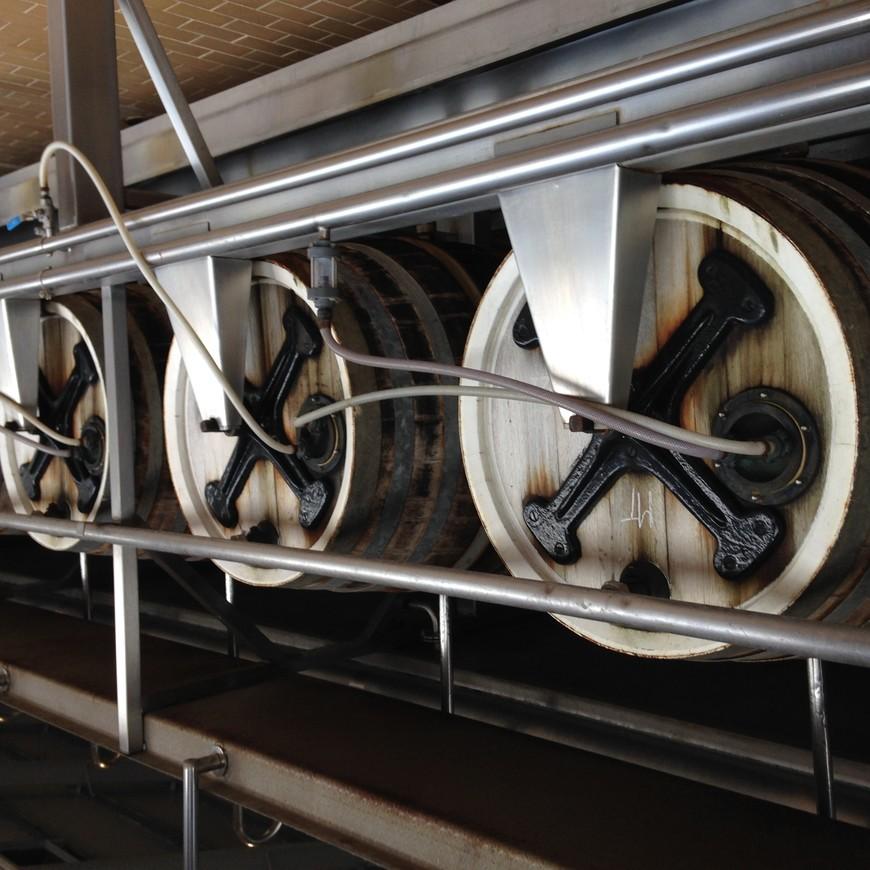 """Вот так, например, выбраживают пиво на Марстоне - одной из самых крупных пивоварен в городе Бертон-на-Тренте, который обоснованно считается родиной британского пива. Даже когда выравнивают мягкость воды сульфатами, этот процесс называется """"бертонизацией"""" - то есть приведение к стандарту воды в Бертоне-на-Тренте."""