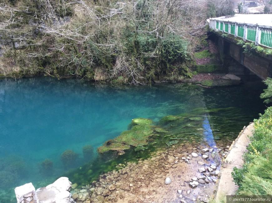 Неописуемое по красоте голубое озеро!