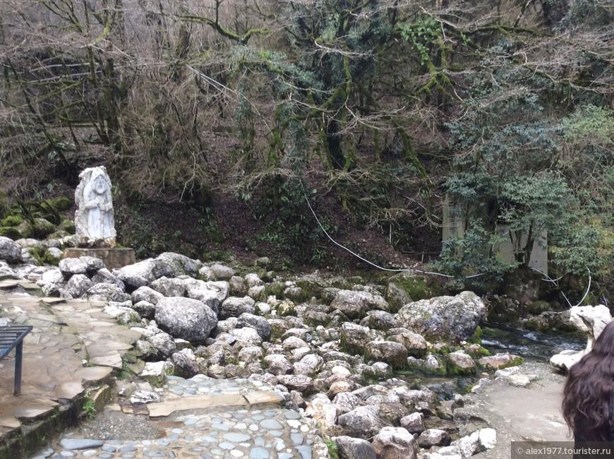Скульптура Деда из легенды о Голубом озере!