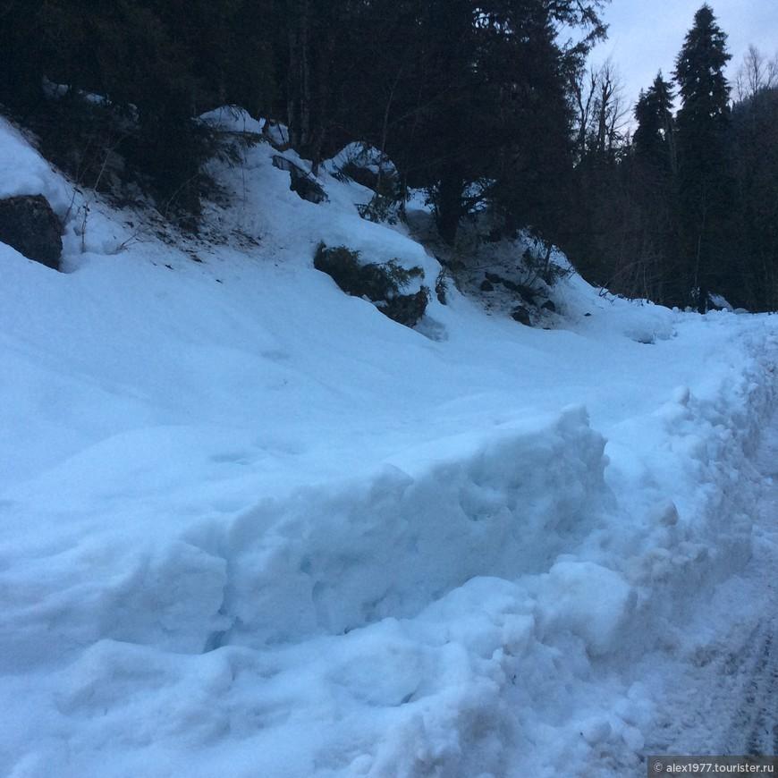 Снега по дороге!