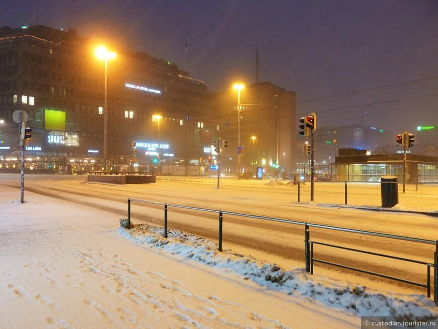 Раннее снежно-ветряное утро...)