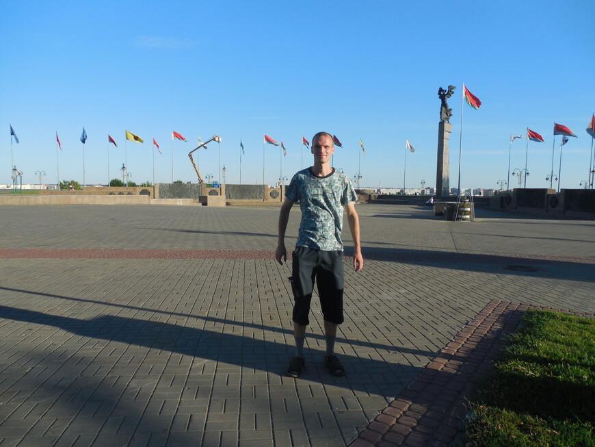 Площадь Славы (Советская площадь): мемориальный комплекс «Борцам за Советскую власть»